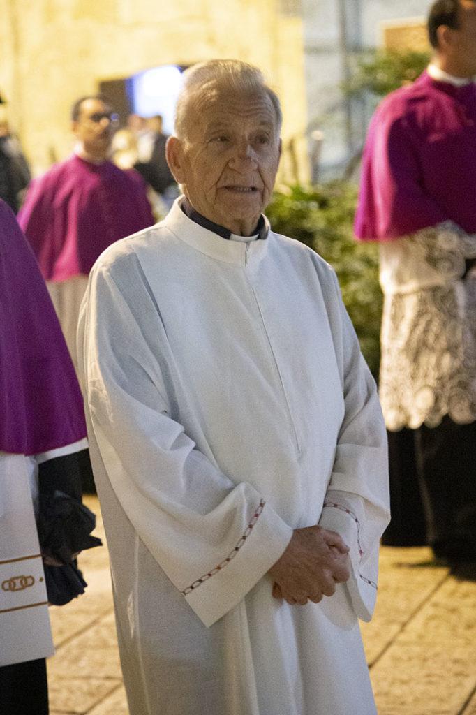 Don Matteo Di Conzo durante la processione di Sant'Eustachio Martire a Matera